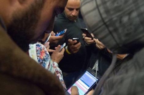 التلفزيون والصحافة الرقمية يجلبان إهتمام الشباب أكثر من الجرائد والراديو