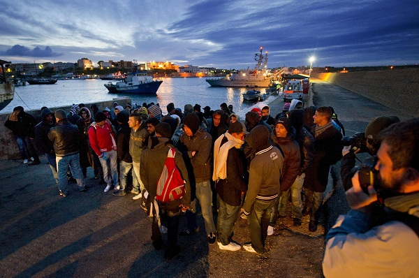 أزيد من 7 آلاف مهاجر سري وصلوا إلى إسبانيا عبر السواحل الشمالية للمغرب