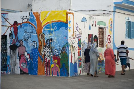 المدينة العتيقة بأصيلة.. تأمل وخيال في لوحات جدارية معبرة