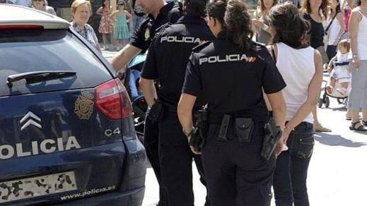 الأمن الاسباني يعتقل مهاجرة مغربية حاولت إحراق سيدة ورضيعها بدافع السرقة
