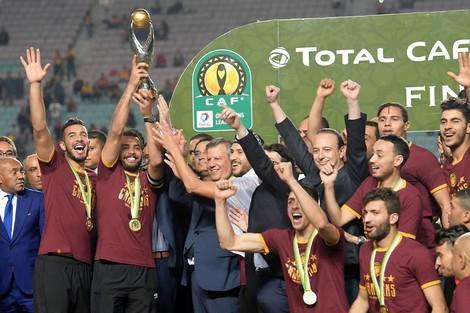 """""""الكاف"""" يعتبر الوداد البيضاوي خاسرا في مباراة الإياب ويمنح اللقب للترجي التونسي"""