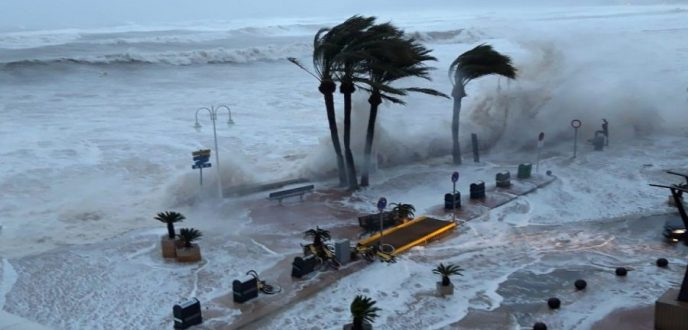 """13 قتيلا وخمسة أشخاص في عداد المفقودين حصيلة جديدة لضحايا عاصفة """"غلوريا"""" بإسبانيا"""