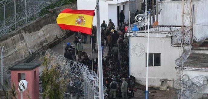 إحباط محاولة اقتحام 400 مهاجر افريقي السياج الحدودي لسبتة المحتلة