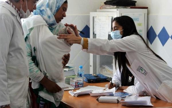 أزيد من 560 مستفيدا من قافلة طبية متعددة التخصصات بإقليم الحسيمة