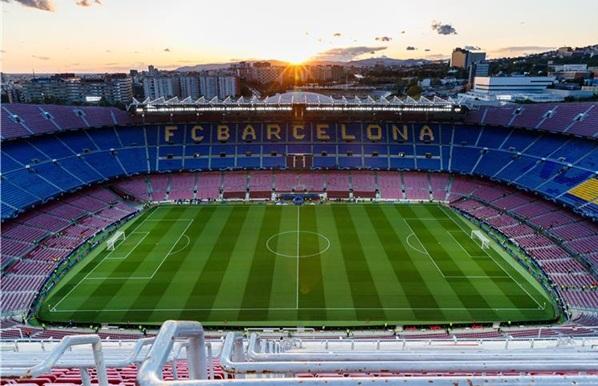 رسميا.. إقامة مباراة برشلونة ونابولي بدون جماهير بسبب كورونا