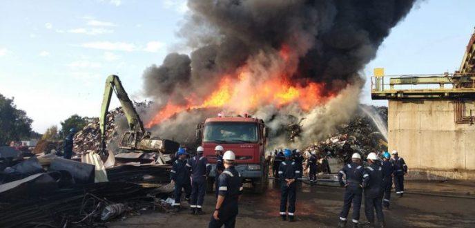 حريق مهول يلتهم مستودعا للتخزين ويخلف خسائر مادية مهمة