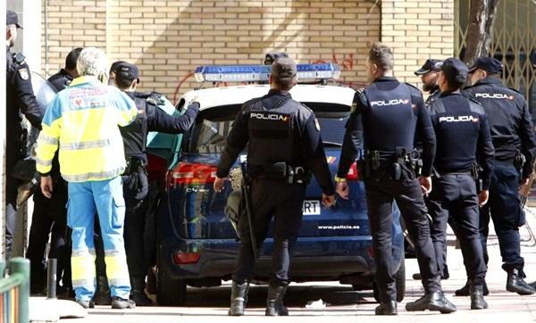 """الشرطة الإسبانية تلقي القبض على شخصين لتورطهما في تمويل أنشطة إرهابية لـ""""داعش"""""""