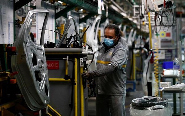 """شركة """"رونو"""" تتخد قرارا صادما بخصوص مستقبل مصانعها بالمغرب"""