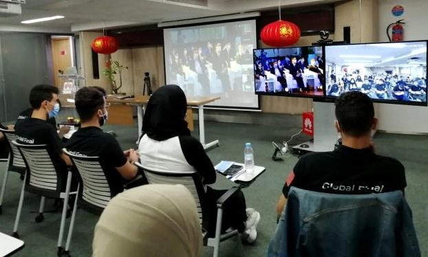 طلبة من تطوان يتوجون في نهائي مسابقة دولية حول تكنولوجيا الإعلام والاتصال