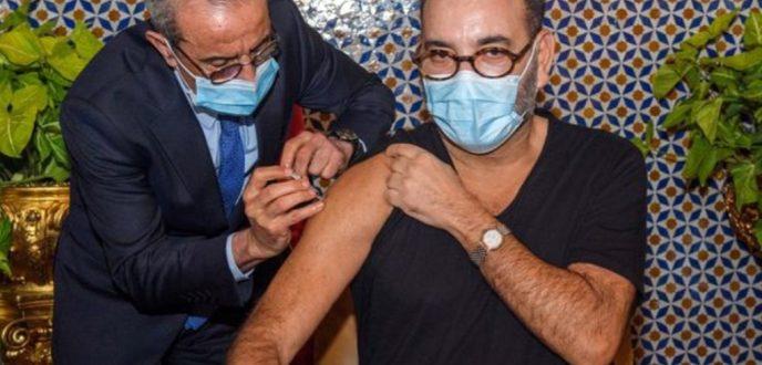 """الملك محمد السادس يتلقى الجرعة الأولى من اللقاح المضاد لفيروس """"كورونا"""""""
