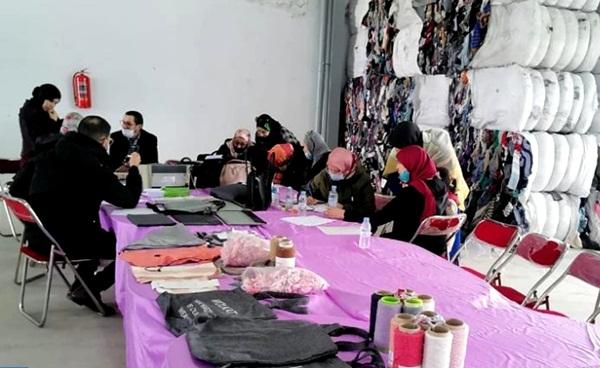 سلطات الفنيدق تشرع في إبرام عقود عمل لإدماج المتضررات من إغلاق معبر باب سبتة