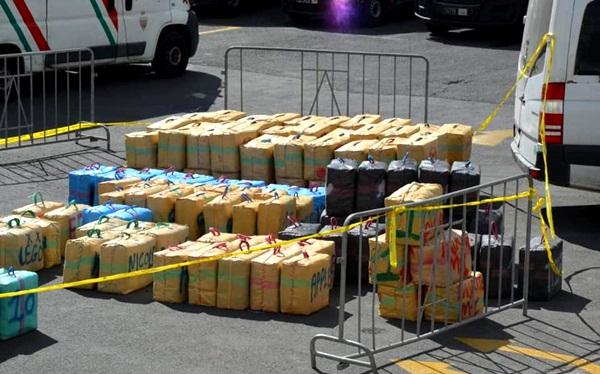 إحباط محاولة تهريب 290 كلغ من مخدر الشيرا بميناء مدينة الناظور