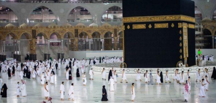 السعودية.. أداء مناسك العمرة خلال رمضان سيقتصر على من تلقوا تطعيم كورونا