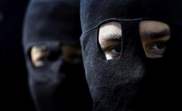 عصابة مسلحة تسطو على وكالة بنكية بطنجة
