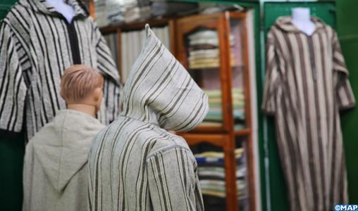 الإقبال على الجلابة الوزانية استعدادا لشهر رمضان يصطدم بإكراهات الجائحة