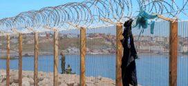 السلطات المغربية تضع أسلاكا شائكة لمنع العبور إلى سبتة المحتلة عن طريق البحر