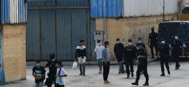 سلطات سبتة تشن حملة لإيقاف المهاجرين المغاربة المختبئين بالمدينة