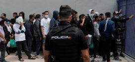 اسبانيا تعيد الى المغرب 9000 مهاجر غير شرعي تدفقوا نحو مدينة سبتة المحتلة