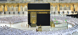 أجواء روحانية تحف المصلين بالمسجد الحرام بعد إلغاء التباعد الجسدي